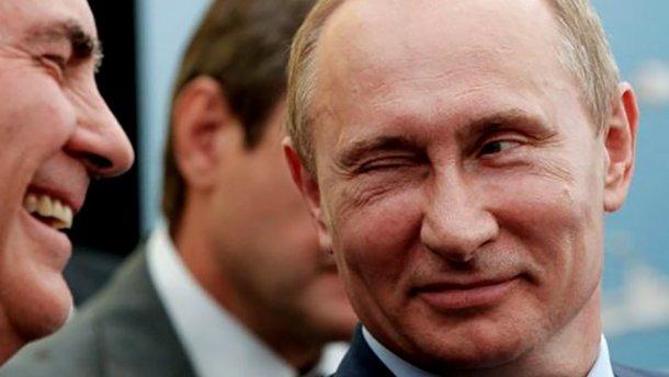 Захід піддається на шантаж Москви, – експерт