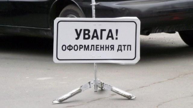 На Львівщині п'яний водій врізався в мікроавтобус