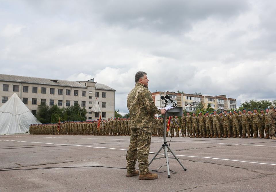Війна на Донбасі забрала життя 415 десантників