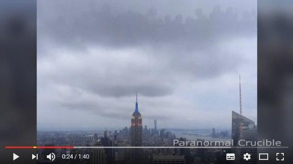 За людством спостерігають з небес: паранормальне відео