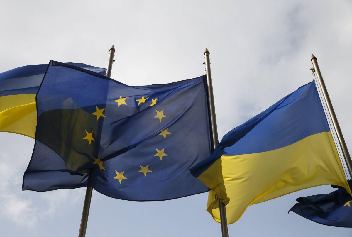 У МЗС розповіли, як в ЄС розглядатимуть безвізовий режим для України, озвучили терміни