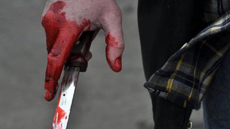 У Хмельницькому чоловік поранив ножем в тролейбусі 12-річну дівчинку