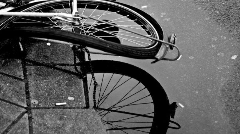Жахливе ДТП на Київщині: фура збила групу велосипедистів