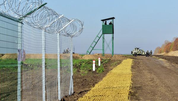 """Як зникають гроші на будівництво """"стіни"""" між Росією та Україною: розслідування"""