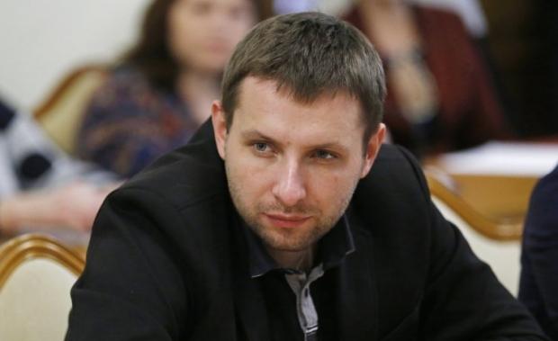 На чому у Львові заробляють помічник Парасюка з другом (розслідування)