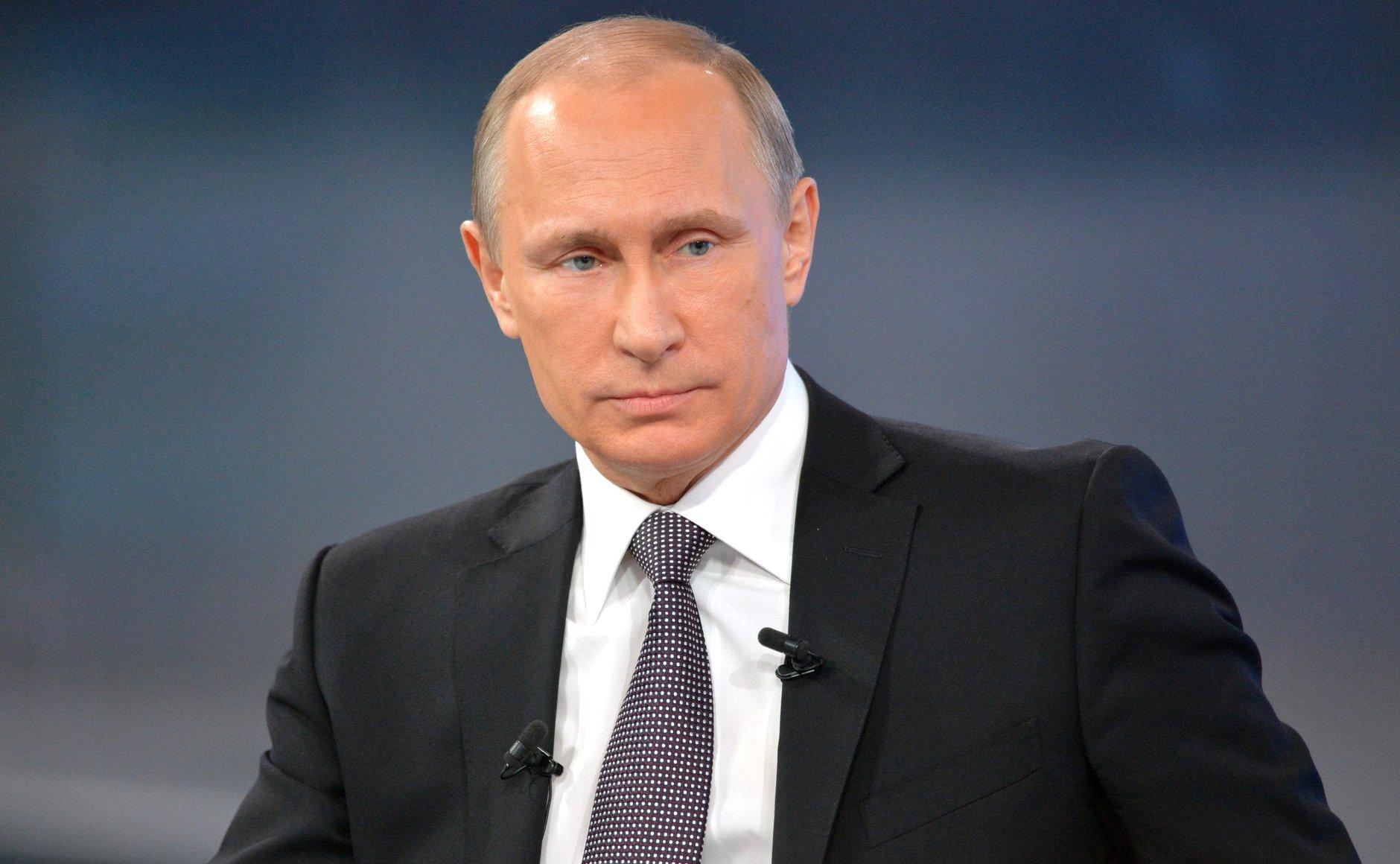 Мережу підірвало відео про Путіна і завагiтнiвшу теличку (відео)