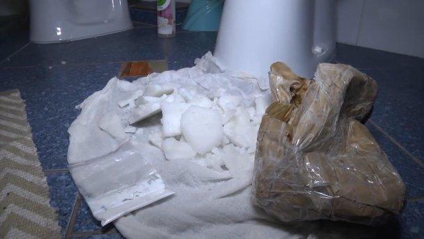 Українець намагався провести у Голландію 150 кілограмів кокаїну