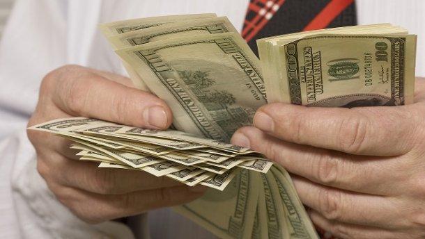 Чорний ринок валюти в Україні: чому це погано?