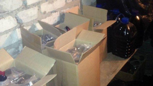 На Донеччині затримали розповсюджувачів смертельного алкоголю