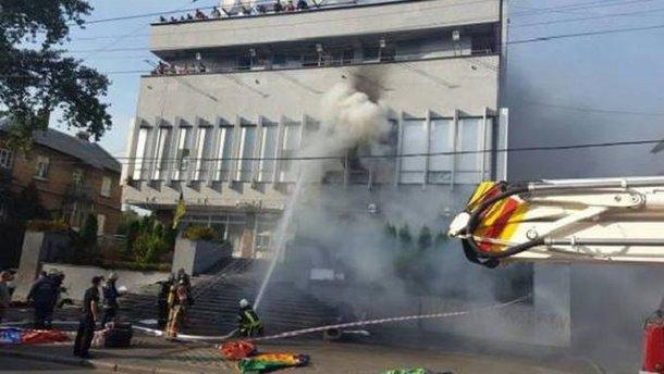 """Розглядаємо і самопідпал, – Аваков про версії пожежі на """"Інтері"""""""