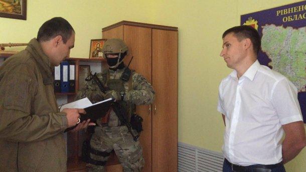 """Аваков заявив про ще трьох затриманих у """"бурштиновій справі"""""""