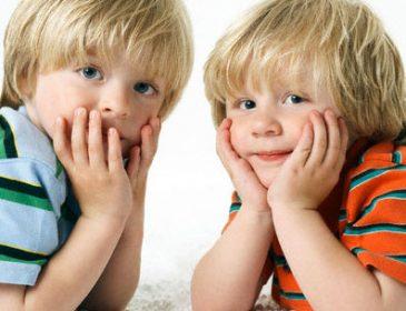 Важкохворим діткам-близнюкам потрібна ваша допомога
