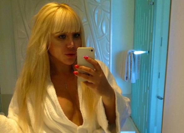 """В Мережу потрапили відверті фото скандальної львівської """"зірки"""" (фото, відео 18+)"""