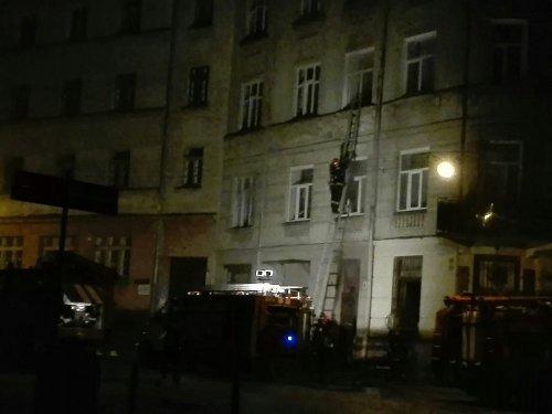 Вночі через пожежу евакуювали людей з будинку в центрі Львова