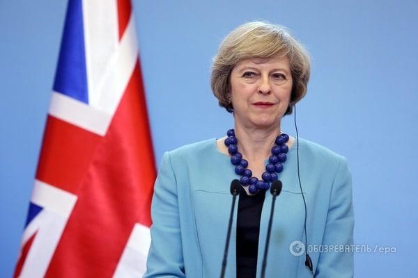 """Прем'єр Британії """"забула"""" потиснути руку Путіну під час двосторонньої зустрічі на саміті G20 (відео)"""