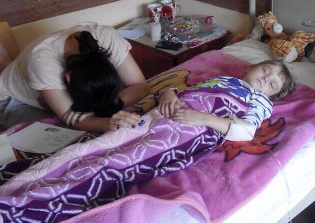 Анічка живи: дівчинка потребує термінової допомоги
