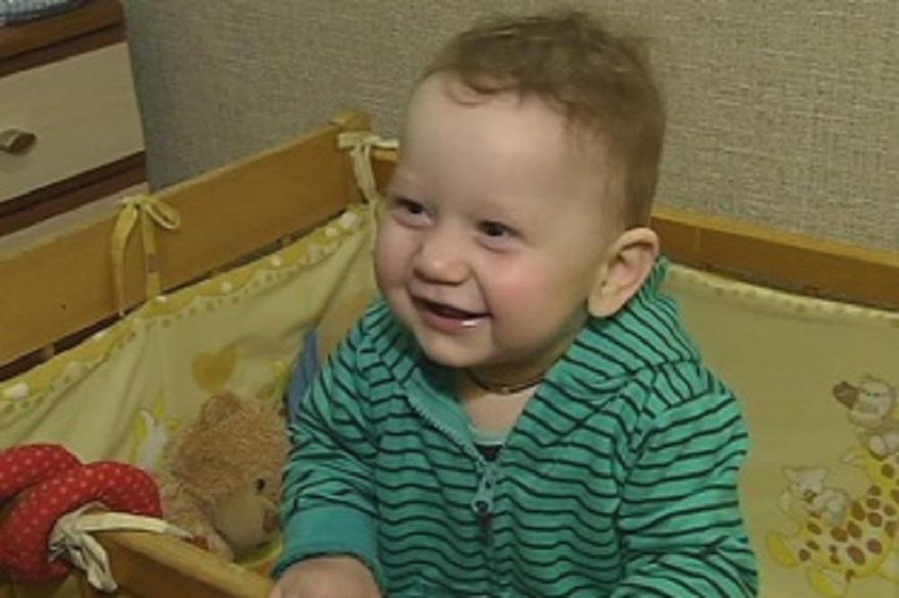 Допоможіть маленькому Андрійку почути голос батьків