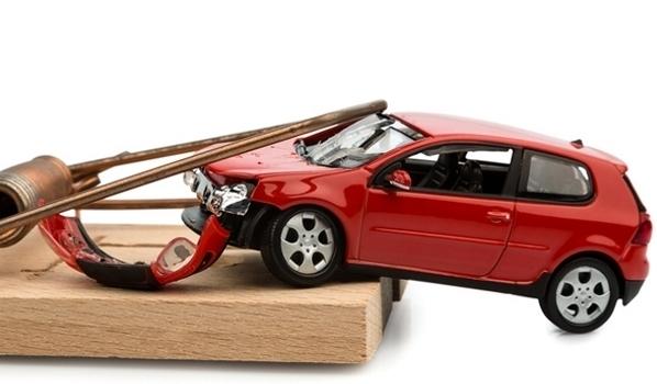Як вберегтися від автомобільних аферистів