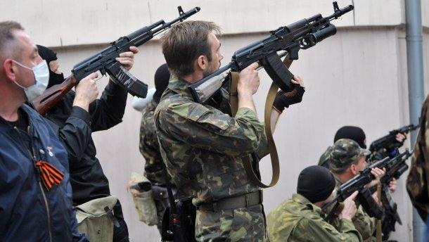 Шалений обстріл мирної Луганщини: травмовано українського воїна