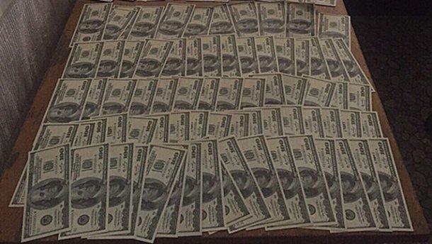 Сільський голова вимагав 14 тисяч доларів від переселенців за земельну ділянку