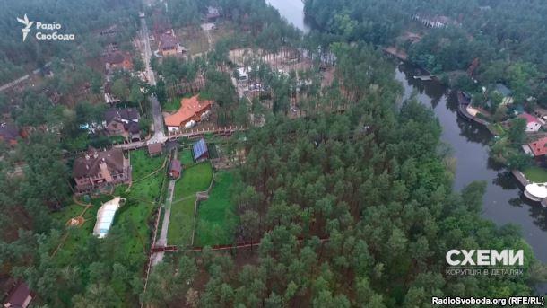 В-2014-році-маєток-було-розширено-до-водойми