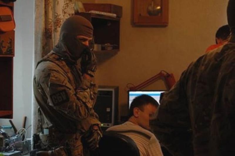 В раді прийняли закон про стеження за українцями в інтернеті.Сайти блокуватимуть без рішення суду
