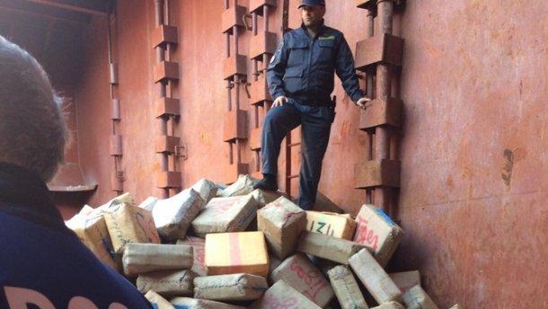 Українські моряки за перевезення наркотиків отримали покарання в Італії (фото)