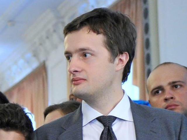 """Декларація сина Порошенко: Офіс, квартира, автомобілі та 141 тис. дол. """"готівки"""""""