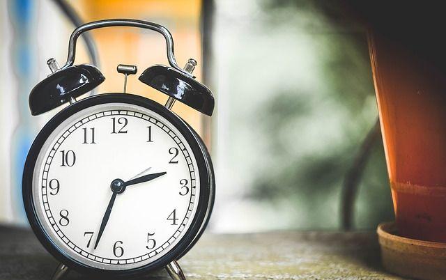 Коли в Україні переводять годинники на зимовий час в 2016 році