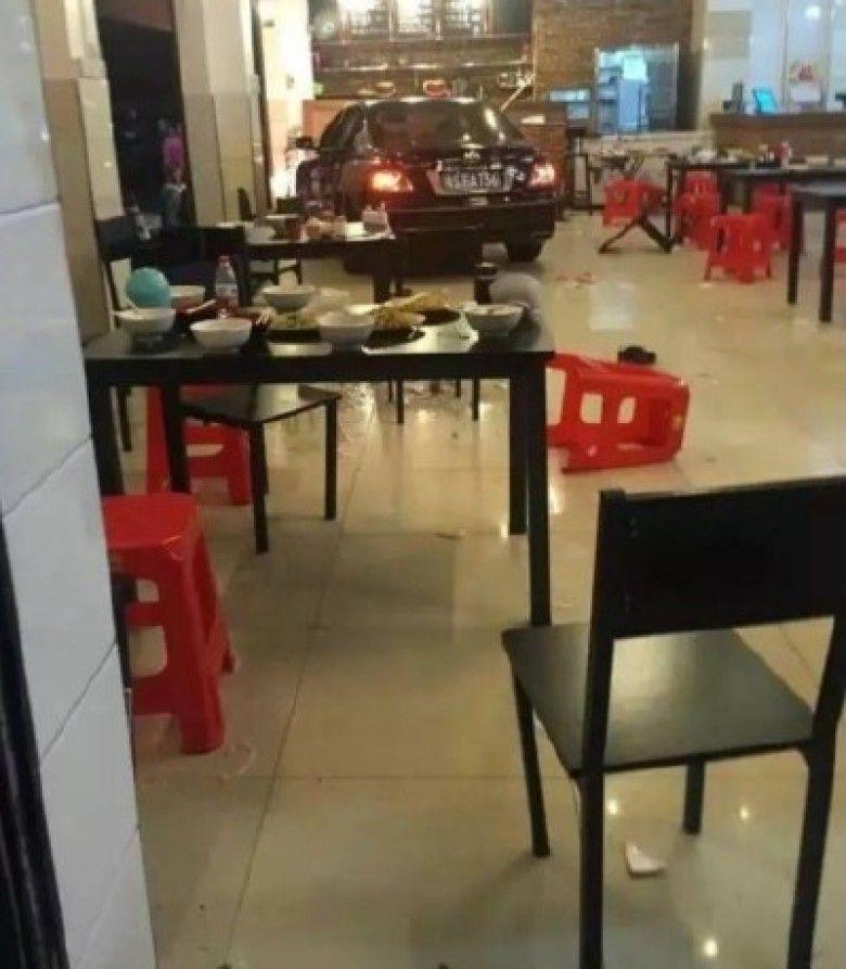 mashina-vletela-v-restoran_03
