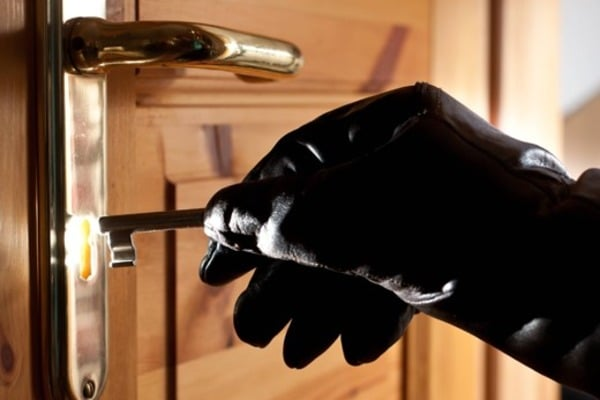 У Києві обчистили квартиру екс-міністра: злочинці винесли сейф