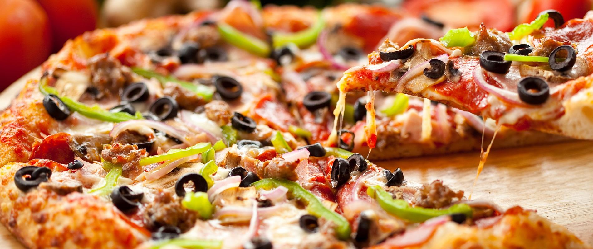 До піци – соковитий тарган і свіженька земелька