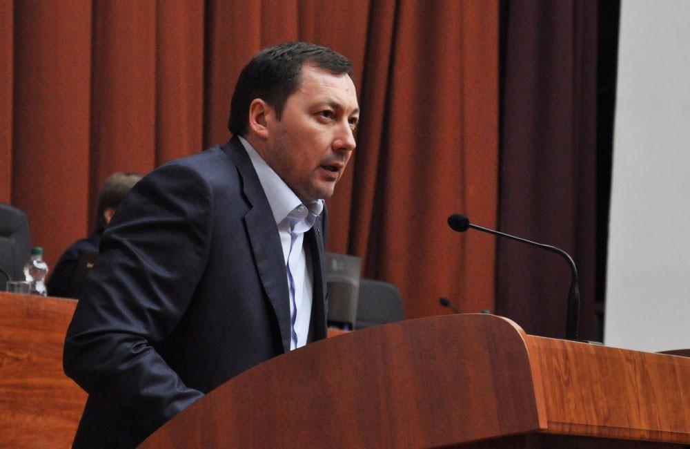 Депутат народної партії похизувався шикарним годинником за 1 мільйон гривень