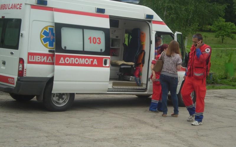 Українського депутата жорстоко побили прямо посеред залу  – такого ще світ не бачив (фото)