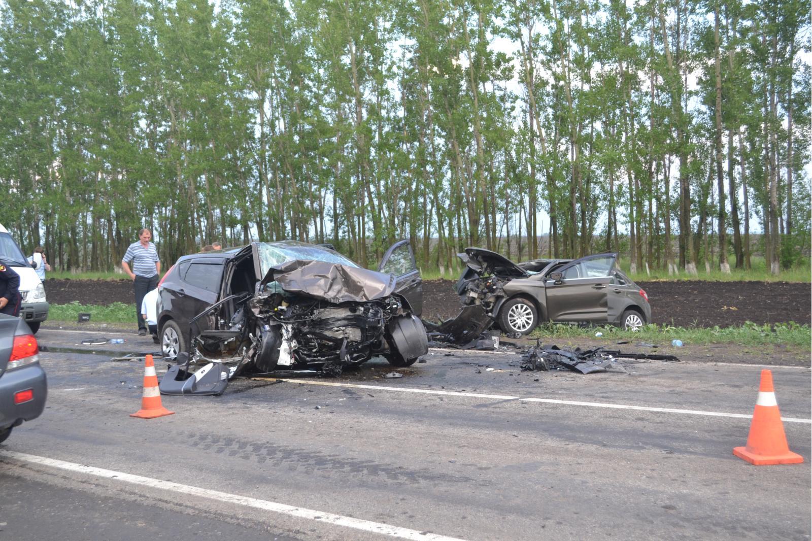 Сумне весілля: кортеж потрапив в жахливу автокатастрофу – всі загинули (відео)