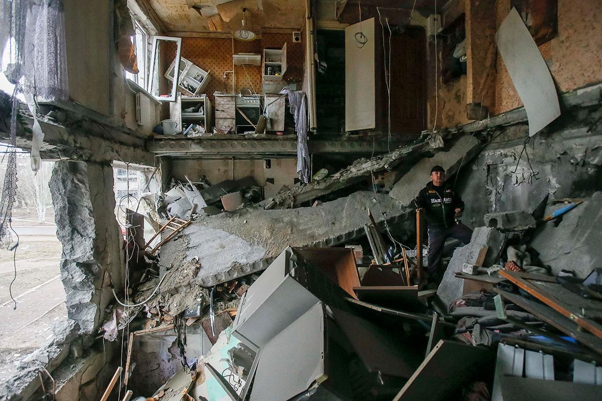 Жахлива новина! Жорстоко обстріляли житловий будинок: мирні жителі не були готові до цього (фото)