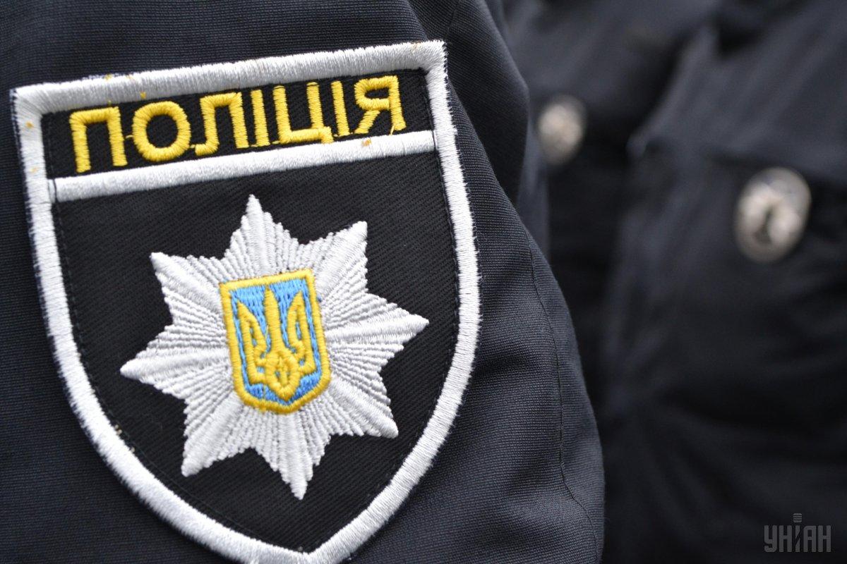 П'яний водій охоронної фірми розбив рекламний щит і вітрину в центрі Львова (фото)