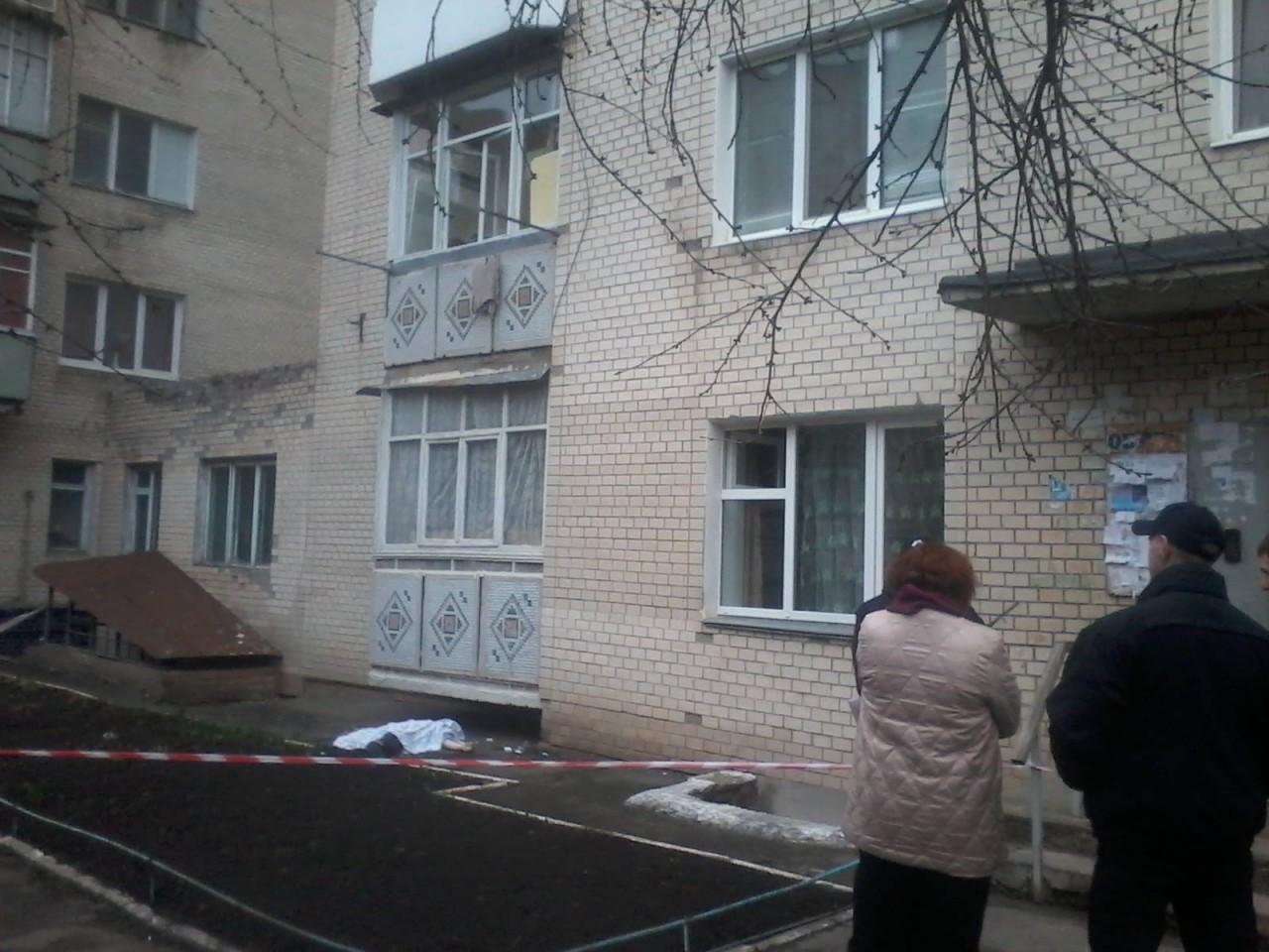 ПП в Криму: жінку змусили стрибнути з шостого поверху