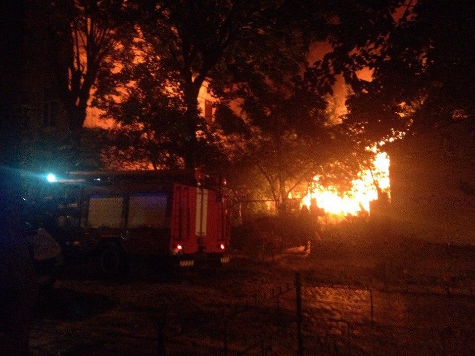 Сумна звістка: в центрі Львова спалахнула моторошна пожежа – на це боляче дивитись