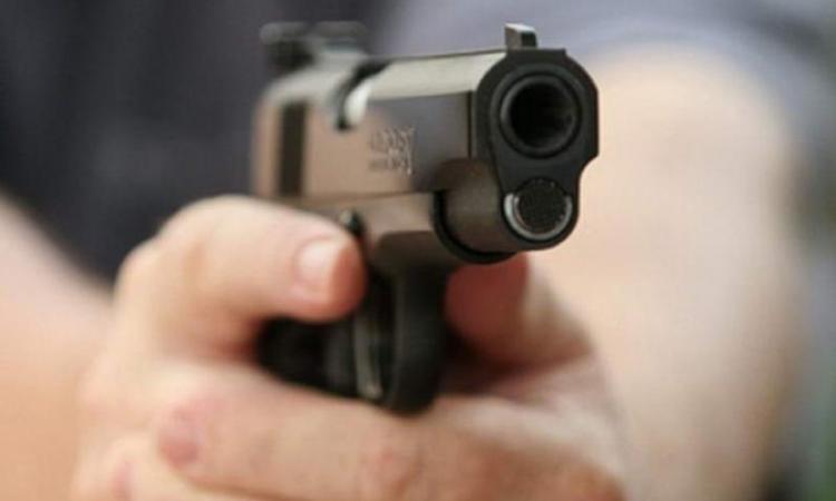 Люди в шоці: син депутата стріляв у школярів