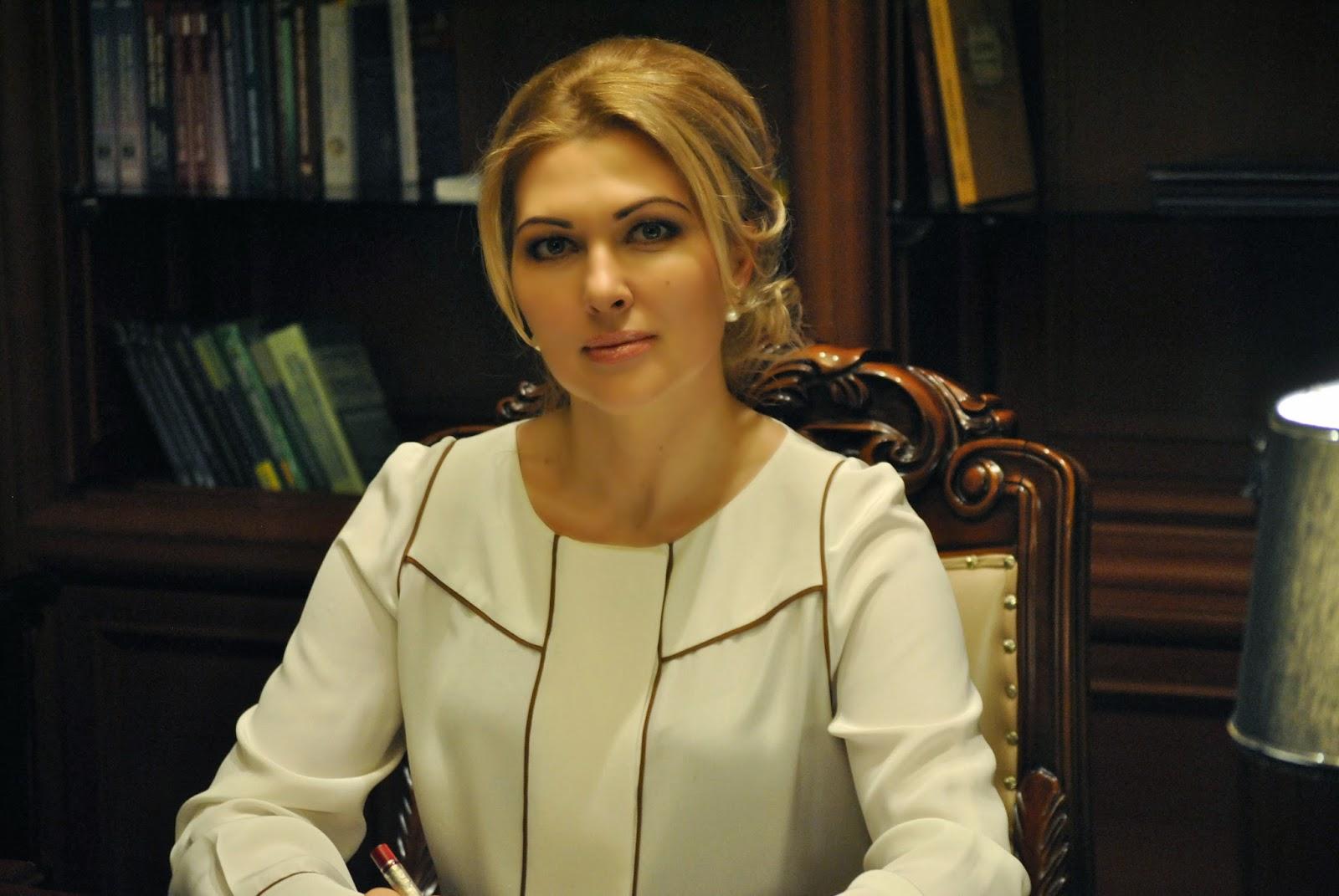 Гламурна одеська суддя задекларувала п'ять шуб, два «Ролекса» та багато золота