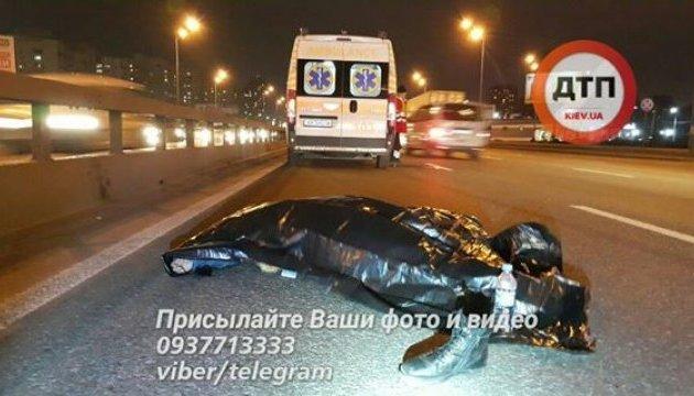 Жахлива ДТП в Києві: водій збив на смерть шестикласника. Тіло відкинуло аж на 40 метрів