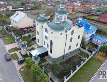 """""""Не церква і не храм"""": будинок судді шокував журналістів своєю розкішшю (ФОТО, ВІДЕО)"""