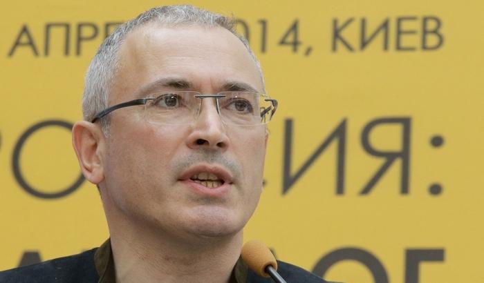 Кримськотатарський активіст вивів Ходорковського на чисту воду