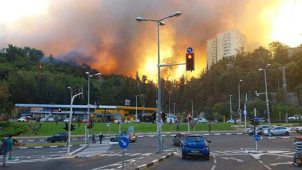 Масштабна трагедія в Ізраїлі: через жахливу пожежу постраждали вже понад 100 осіб. Евакуювали 75 тисяч людей. Є шокуючі ФОТО, ВІДЕО