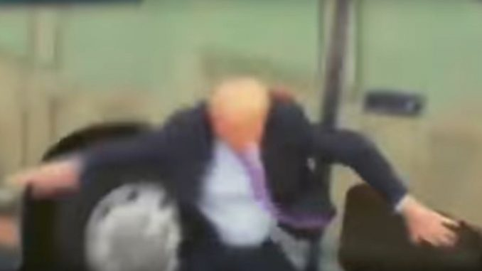 В мережу потрапили кадри жахливого нападу на Трампа (відео)