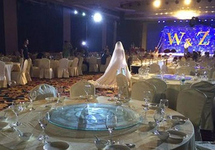 Весілля без гостей: як молодята святкували подію самі. Мережа в шоці