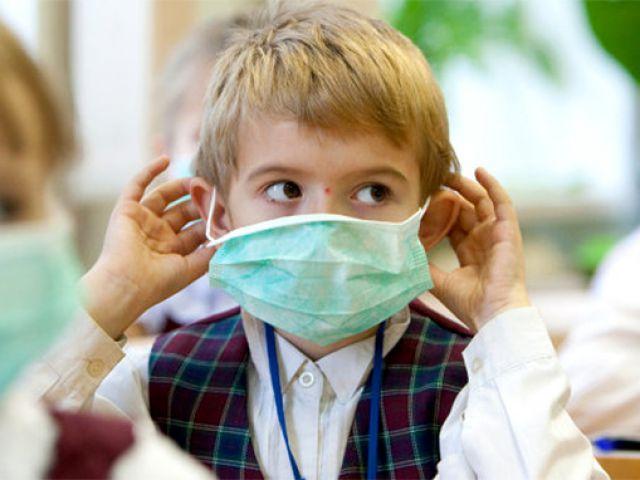 Школярі залишаться вдома: в одній із областей України через масові випадки захворювання вже оголосили карантин