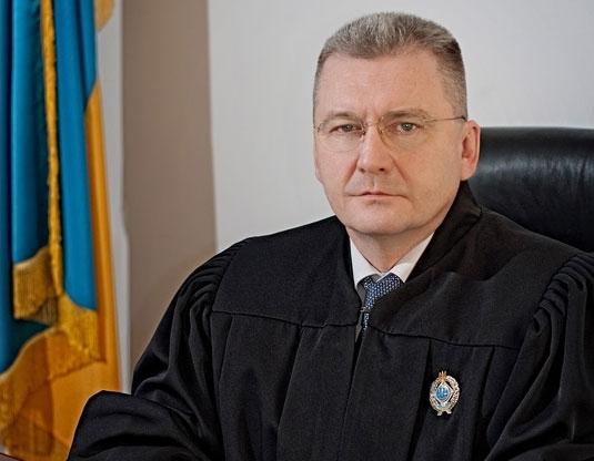 Непогано влаштував свою п'яту точку: львівський суддя – мільйонер живе на широку ногу
