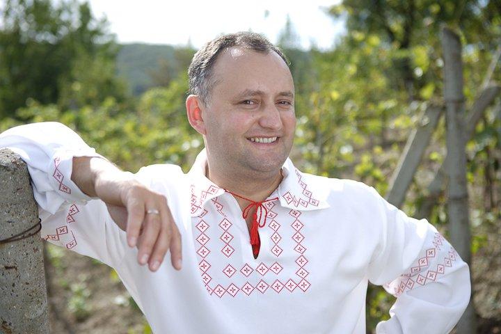 Журналіст розповів, чому Кремль дуже хоче, щоб Додон став президентом Молдови
